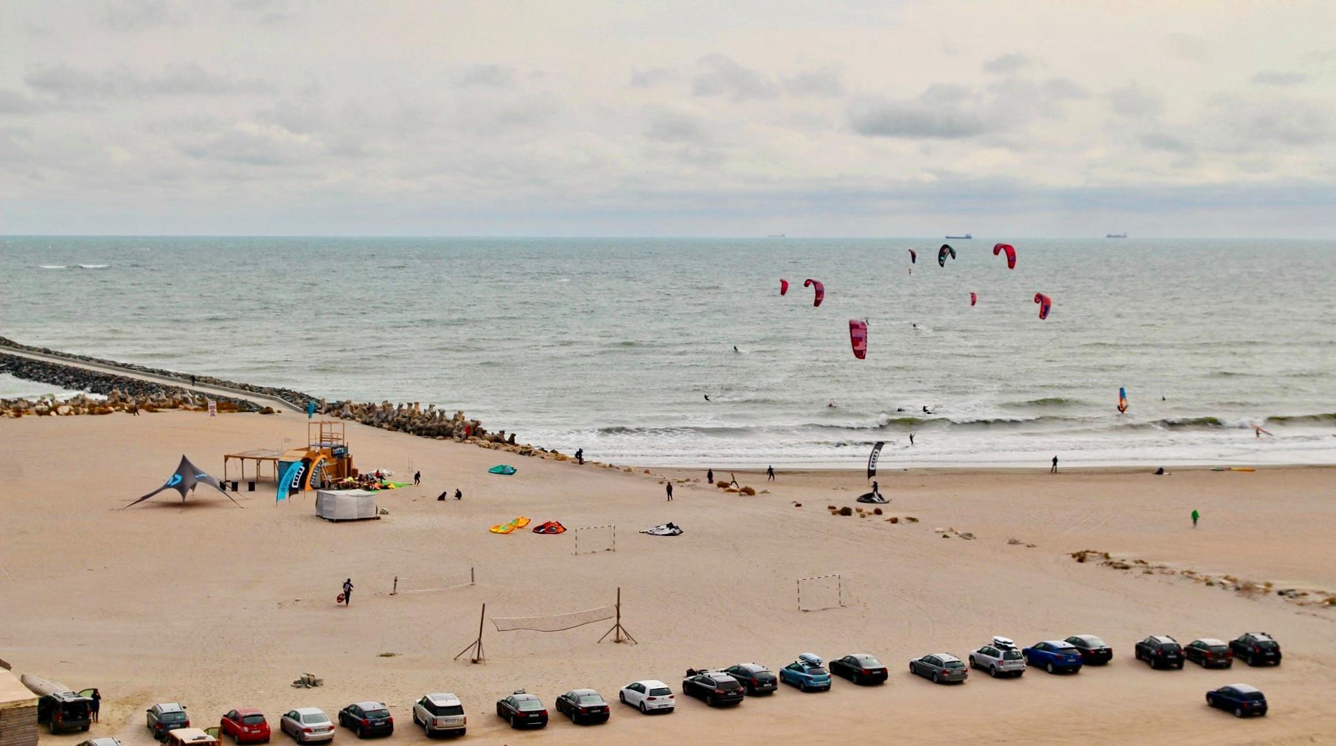 Kitesurfing în România: Unde îl poți practica și Ce echipament îți trebuie