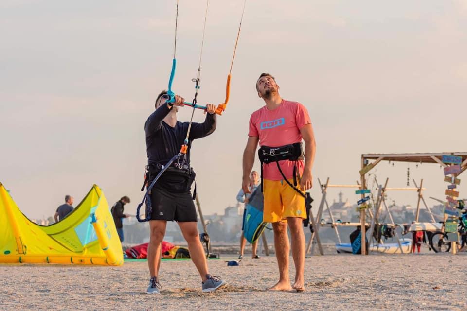 Curs de Kitesurfing in Romania cu Andrei Damian – Instructor de kiteboarding