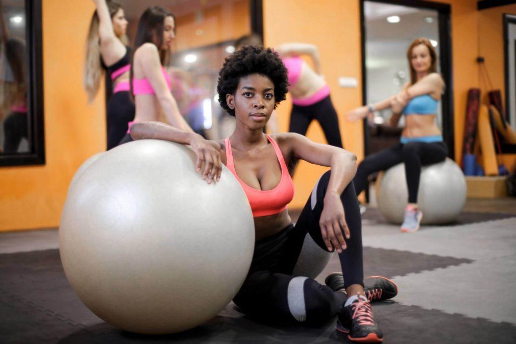 Ținute sport femei pentru antrenamente