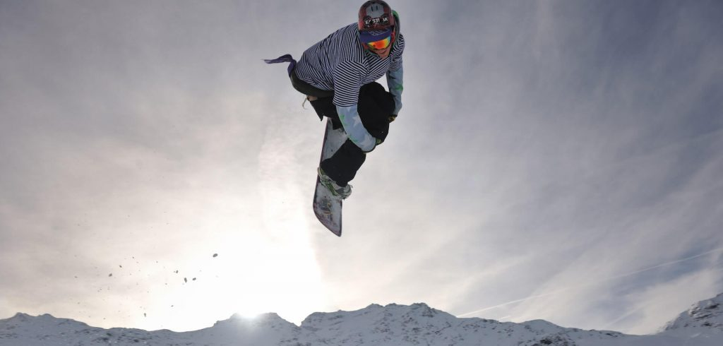 Cum alegi o placă de snowboard bună?
