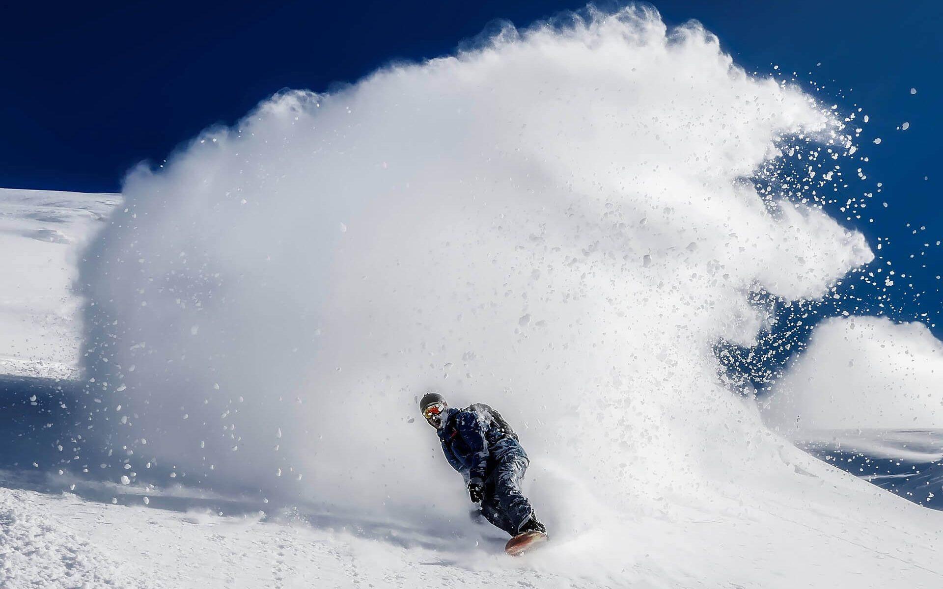Pârtii în România – Care sunt cele mai bune variante pentru schi și snowboard?
