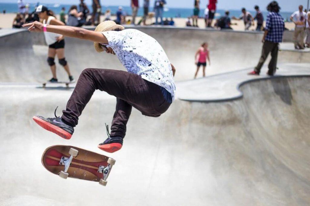 Skateboard ollie tips & tricks - Pași esențiali pentru o săritură perfectă