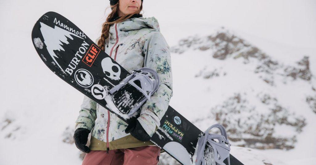 Echipamentul de snowboard pentru dama: Cum sa te indragostesti de noul outfit