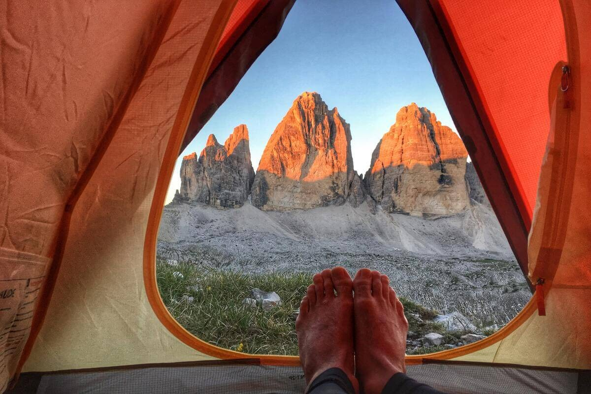 Camping - iată unde poți să campezi și de ce ai nevoie