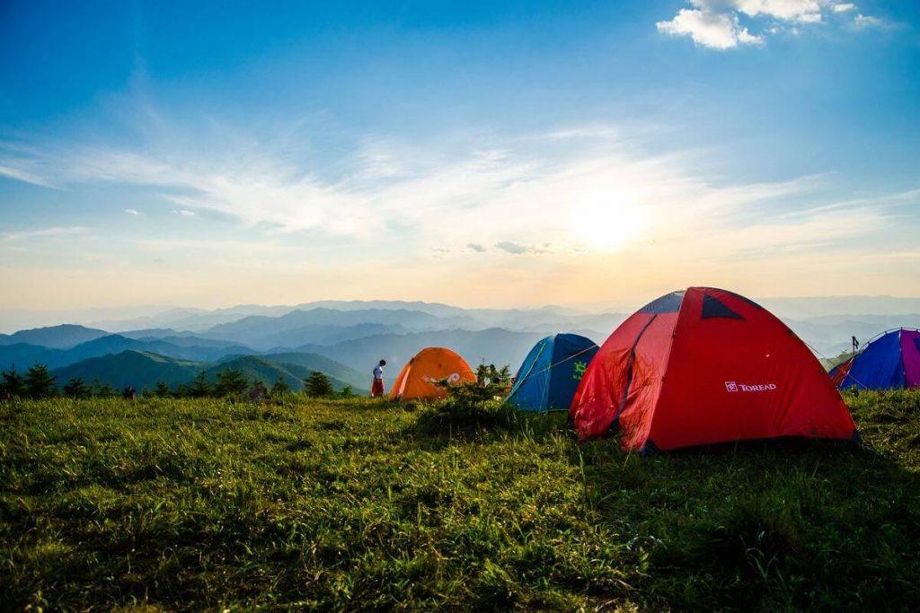 De ce să mergi în camping?